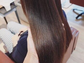 ヘアースタジオ ライト(HAIR STUDIO LIGHT)の写真/100人いれば100通りの髪の状態に合わせ調合、施術。あなただけのオーダーメイド型トリートメント☆