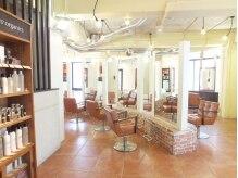 ドルチェ(Dolce)の雰囲気(パリのカフェのような、ゆったりとしたくつろげる空間。)