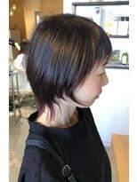 アミィヘアー(Ami Hair)ソフトウルフ×インナーレッド×暗髪レッド