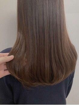 ロコロア(Rocoroa)の写真/髪や頭皮へのダメージが少ない厳選された薬剤を使用◇本来の髪よりも柔らかく艶のある仕上がりに―。