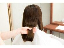 サラサラ軽いのにまとまる、新質感。内側から輝き溢れる自然な艶髪を実現。FLOWDIA【フローディア】取扱い