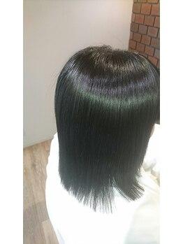 オーダーメイド艶髪ヘアエステ ユーエン(iuen)の写真/縮毛矯正専門サロンで髪質改善♪ダメージレスで柔らかく自然なストレートヘアに♪
