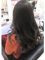 ヘアーデザインムーヴ(Hair design MOVE)ツヤツヤなグレイカラー