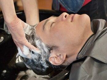 ルシードスタイルバレッタ(LUCID STYLE BARRETTA)の写真/【長浜】思わずウトウト…お疲れのアナタに至極のご褒美タイム♪汚れを落として髪も頭皮も気分もスッキリ!