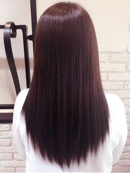 ロイヤルエムシー(MC)の写真/一番人気のカラーも同時に出来るローダメージな縮毛♪髪に潤いを与えながら施術するから手触りも◎!!