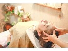 トヌコア ルア 下北沢(Tonukoa Rua)の雰囲気(白髪予防と頭皮のたるみ予防にはオージュアヘッドスパがおすすめ)
