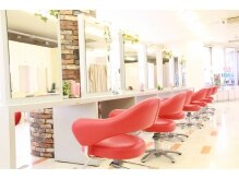 シャンプー 京王八王子ショッピングセンター店(Shampoo)の雰囲気(10Fならではの景色と広々とした店内でリラックス。)