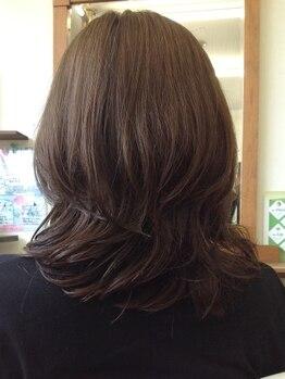 パキアドゥーエ(Pakia due)の写真/【スパ付きクーポンもおすすめ♪】髪・頭皮のことを1番に考えるPakia dueが、グレイカラーでツヤ髪を実現☆