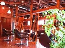 ソール ヘアーメイク(So ALL Hair Make)の雰囲気(待合スペースも広い、ゆったり空間です。)