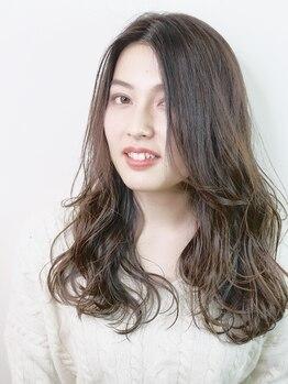 メビウス(Mebius)の写真/《水素ヘアパック》でダメージを軽減!!頻度が高いグレイカラーでも、うるツヤ髪をKEEP♪白髪抑制効果にも◎