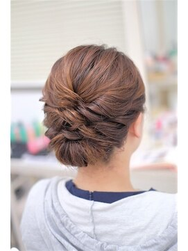 リサ 恵比寿(risa.)髪が短いかたも☆アップスタイル