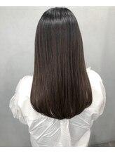 シャムオーツー(CHAM O2)後ろ姿で魅せる☆ナチュラル×艶髪ロング/黒髪/艶髪/髪質改善