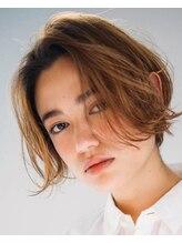 ヘアースペース カーマ(hair space ka ma)揺れ髪、長めバンクでいつものボブに変化を
