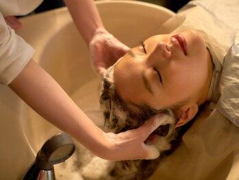 コレット ギンザ(Collet Ginza)の写真/静かでゆったりとした時間が流れる店内で、健やかな頭皮・潤い美髪へと導く癒しのスパを…。[銀座/東銀座]