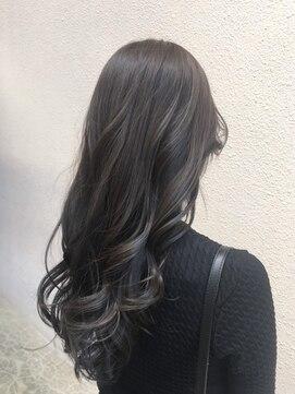 ヘアアンドメイクグラチア(HAIR and MAKE GRATIAE)暗髪☆モノトーングレージュ♪
