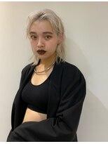 シキナ(sikina)【ナカムラ_design】ホワイトブロンド モードウルフ
