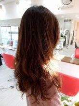 クアトロ ヘア(Quattro hair)ロングウェーブ