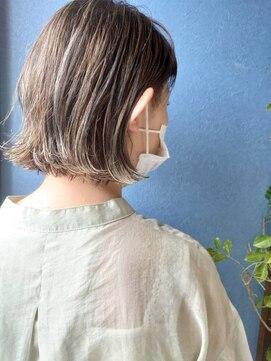 クブヘアー(kubu hair)《Kubu hair》白髪を活かすハイライトカラー