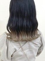 ルッツ(Lutz. hair design)ホワイトベージュ裾カラー