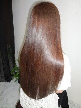 トモズヘアデザイン(Tomo's Hair Design)の写真/夜20時まで営業中♪ナチュラル志向、ヘアケア志向、オーガニック志向のお客様のためにこだわりぬいた薬剤♪