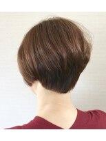 美容室テク アート バイ シックショートヘア