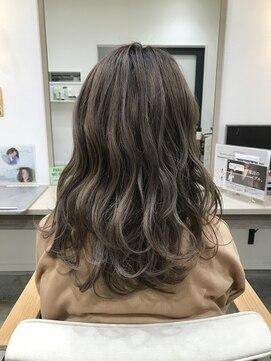 クーラペ(Cura Per hair garden)巻き髪ピンクベージュ