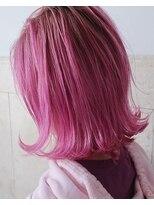 リュト(Lute)ピンクカラー×ボブ