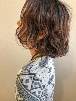 ヘアーアトリエ カノル(hair atelier canol)の写真/【ナノスチームでダメージケア】傷みを最小限に抑えながら、自宅でも簡単にゆるフワパーマスタイルを再現★
