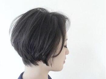 ドアー ヘア ラテ(Door hair.latte)の写真/[クセ/ボリューム/ダメージ]を操るフォルムカットで綺麗なシルエットが続く♪カラーも合わせてより魅力UP☆