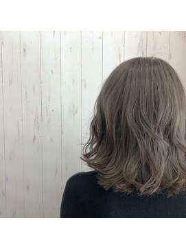 プロキシムヘアワークス(proxim hair works)外ハネロブ