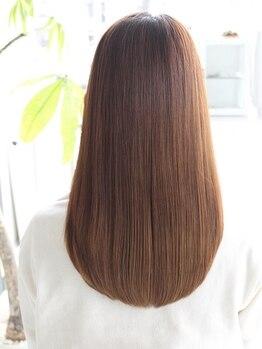コレロ ヘアー(KORERO hair)の写真/【NEW OPEN】ダメージを最小限に抑え、手触り、艶感がワンランク上の【クリスタルストレートパーマ】