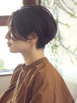 ニマ(nima)の写真/【旬顔ショートで大人の可愛さを引き出す】モードからフェミニンまで、周りと差のつくスタイルにファン多数