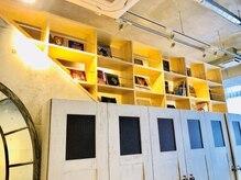 アドミラル ベー ヘアーデザイン(Admiral b Hair design)の雰囲気(家具やインテリアにもこだわり非現実的な空間でのでの施術!)