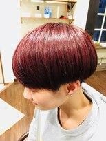フェリーク ヘアサロン(Feerique hair salon)ビビットなレッド系カラーのマッシュ