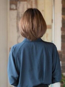 イヴァルヴ(EVOLVE)の写真/色味を楽しむ白髪染めなら絶対ココ♪色味豊富に揃えてます!髪をより綺麗に魅力的に★白髪染め/ハイライト