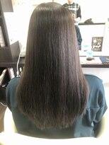 ヴィオレッタ ヘアアンドスペース(VIOLETTA hair&space)根本に縮毛矯正、毛先にトリートメント縮毛矯正