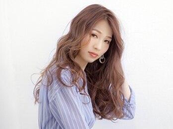 オースト ヘアー ステラ 新宿店(Aust hair Stella)の写真/【新宿西口1分】オシャレを楽しみたいけどケアにもこだわりたい!そんな大人女性のためのメニューをご用意☆