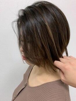 ハク(hair salon haku)の写真/【市野イオン近く】《根本カラー+トリートメント+シャンプーブロー¥8100》上品な色味でダメージレスが叶う!