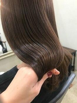 シィータ(THETA)の写真/【美髪矯正(酸性ストレート)】で真っ直ぐなりすぎない自然な髪へ☆経験豊富なスタイリストが的確にご提案♪