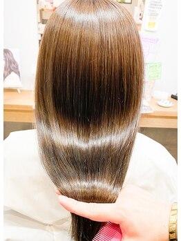 """ザ ライト バイ アストレア(The Light by Astraea)の写真/【プラチナトリートメント】で毛先まで潤いまとまる!上質な""""ツヤ・手触り""""に自分の髪が好きになる♪"""