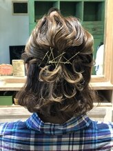 ヘアーアンドメイク シェリ(Hair&Make Cherie)大人かわいいハーフアップ