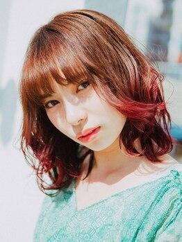 ティス ナカ(HAIR CREATIVE SALON Tiss NAKA)の写真/オシャレ女子にピッタリ!!抜群な発色と髪をいたわりながらの施術☆ダメージレスでオリジナルカラーを♪