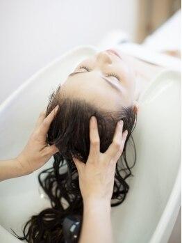 ビームズ ヘア 正木店(Bee ms HAIR)の写真/育毛促進&頭皮環境を改善する【Bee-ms HAIR 正木店】自慢のヘッドエステ★うるおいと弾力のある頭皮へ…