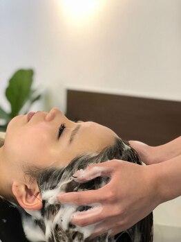 フリーダム(Freedom)の写真/【頭皮環境改善】美髪の近道は健康な頭皮から。疲れた頭皮と心を癒す贅沢スパで極上サロンタイムを…