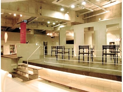サラジュ 逆瀬川店(SARAJU)の写真