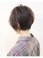 キアラ(Kchiara)洗練された耳かけショート/大人可愛いオフィスヘア