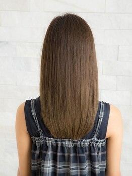 アトリエ モーリスヘアー 巣鴨店の写真/当店オリジナル【サラ艶縮毛矯正】を是非お試しください♪トリートメント配合で髪をいたわり艶めく美髪に★