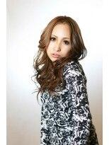 ネーブル(NAVEL)女度アップ!巻き髪スタイル