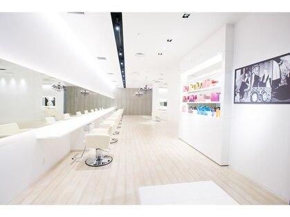 ウォーレントリコミニューヨーク ハービスエント大阪梅田店(WARREN TRICOMI NEW YORK)の写真