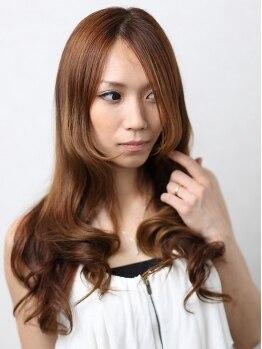 サクラ 枚方店 (SAKURA)の写真/《最旬×似合わせ×色持ち◎》が叶う、潤いのある艶髪へと導きます♪【お得なカラークーポンあり】